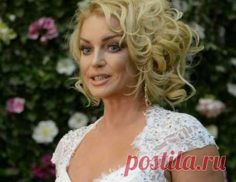 «Как царица»: 42-летняя Волочкова в ультрамини похвасталась новым цветом волос | teleprogramma.pro