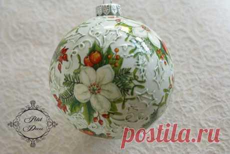 Новогодние украшения...ёлочные шары (декупаж)