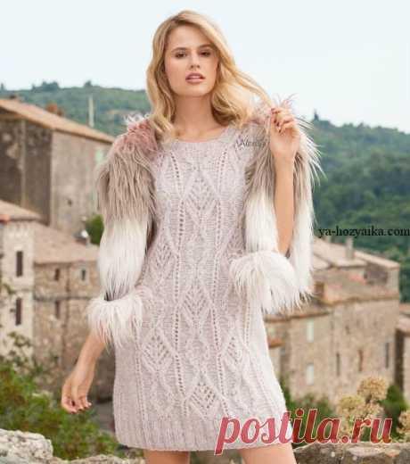 Мини-платье спицами. Как связать женский пулундер спицами Мини-платье спицами. Модель отлично смотрится как самостоятельная часть гардероба так и в комплекте с брюками, лосинами.