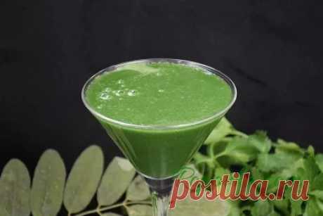Зеленый смузи со спирулиной