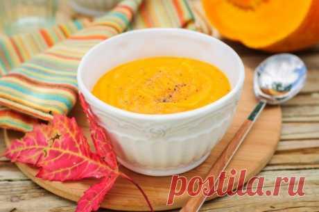 Тыквенный крем-суп на курином бульоне