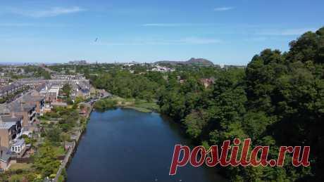Крейглокхарт является одним из знаменитых Эдинбургских Семи Холмов и от туда открываются великолепные виды на город.