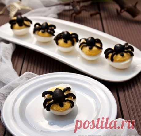 Фаршированные яйца с тунцом на Хеллоуин рецепт с фото пошагово Фаршированные яйца с тунцом на Хеллоуин - пошаговый кулинарный рецепт приготовления с фото, шаг за шагом.