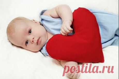 Болезни сердца у детей - у некоторых детей возникают проблемы с сердцем после болезни в детстве. Это называется приобретенным сердечным расстройством. Это отличается от врожденного (при рождении) сердечного дефекта, который возникает, когда ребенок рождается с сердечной проблемой.
