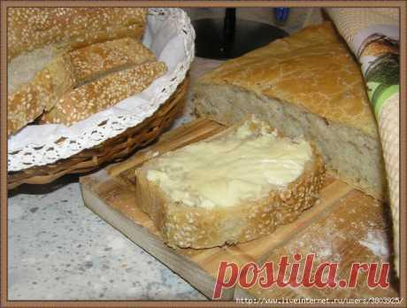 Хлеб домашний, постный - корочка тонкая-тонкая, хрустящая, нежная, а мякоть пористая, сытная