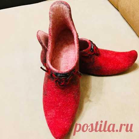 #shoes#handmade #обувьваляная#тапочкиженские Тапочки Восточные. Размер 38-39. Ждут свою хозяйку.