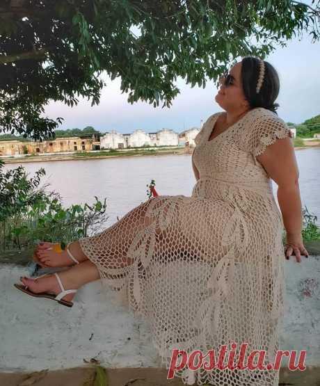 Платье крючком (ИДЕИ ДЛЯ ВДОХНОВЕНИЯ) Платье, связанное крючком, невероятной красоты Платье крючком Foto: @robertaramona Идея для вдохновения