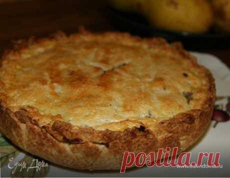 Пирог с яблоками, маком и грецкими орехами. Ингредиенты: яблоки, пшеничная мука, грецкие орехи Желток для смазки пирога можно размешать не с молоком, а просто с 1 ст. ложкой холодной воды.