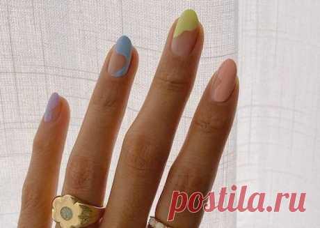 Маникюр весна 2021: модные идеи дизайна Смотрите какой весенний маникюр будет в моде и какие новинки дизайна ногтей будут актуальны в сезоне весна 2021!