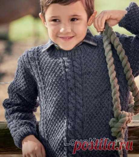 Классический пуловер с косами для мальчика схема