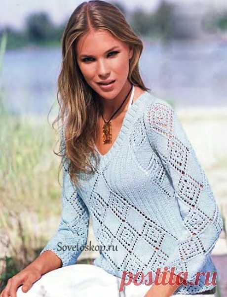 Светло-голубой пуловер - Советоскоп Светло-голубой пуловер Светло-голубой пуловер с рукавами реглан привлекателен благодаря необычайному расположению ажурных узоров. Размер: 38/40 Вам