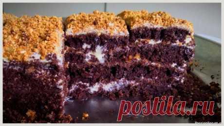 Быстрый шоколадный торт | Кулинария Этот тортик не займет много вашего времени. Максимум 45 минут вместе с выпечкой ингредиенты:мука -350 гсахар -200 гсоль 0.5 ч.лкакао порошок -5 ст.л. (60 г)разрыхлитель -10 гр.ванилиняйцо -2 шт.молоко -200 мл.растительное масло или сливочное -100 мл.кипяток -200 мл.арахис жареный по...