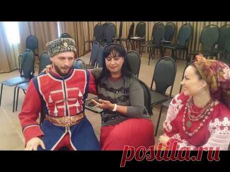Виктор Сорокин и Марина Гольченко спели с журналисткой из Болгарии