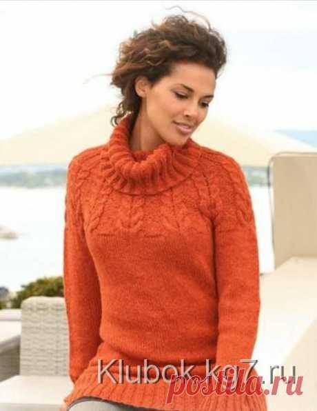 Пуловер с круглой кокеткой и косами от Drops design | Клубок