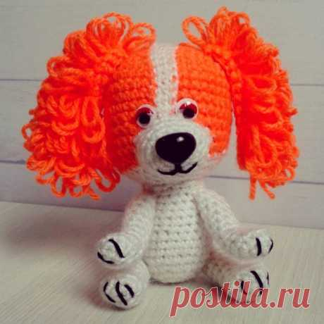 Вот такая яркая милая собачка #символ2018 года!  В наличии.  100% #ручнаяработа отличный подарок на Новый год! #handmadeалматы #weamiguru #детям #назаказ #вязаныеигрушкиалматы #2018 #подарки #вязаныесобачки