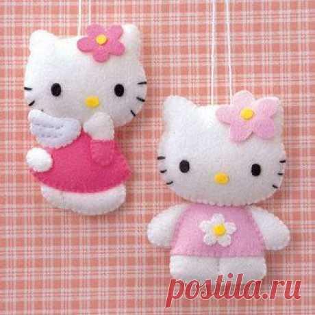 Как сделать Hello Kitty мягкую игрушку и сшить из носок?