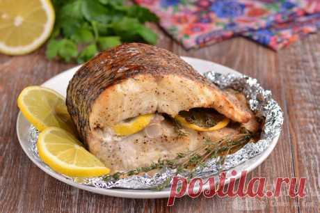 Рыба с лимоном и тимьяном в духовке.  Готовим потрясающе вкусную и ароматную рыбу с лимоном и тимьяном в духовке. Для приготовления беру щуку и сушеные веточки тимьяна. Поливаем соком лимона, добавляем ломтики лимона и тимьян во внутрь куска рыбы, 1 час маринуем и запекаем в духовке. Просто, ароматно и очень-очень вкусно!!!