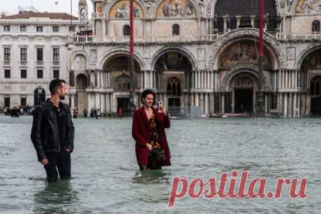 10 фото Венеции, которую затопило. Это самое сильное наводнение за 50 лет 80% города под водой.