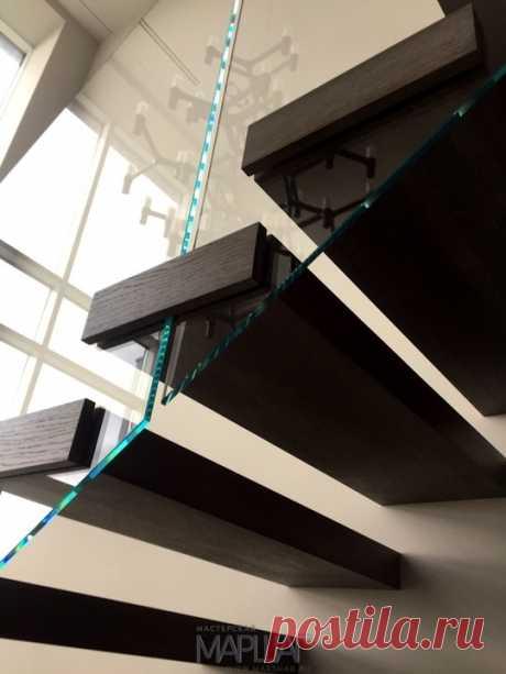 Лестницы, ограждения, перила из стекла, дерева, металла Маршаг – Перила из стекла консольной лестницы