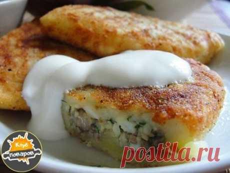 Картофельные зразы можно готовить с разной начинкой с грибами или с мясом