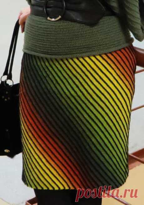 Радужная юбочка связаная по диагонали с Осинки