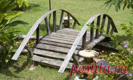Ideas of stylish garden bridges for the seasonal dacha