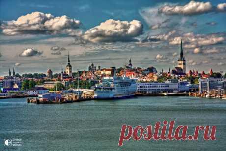 Таллинн – жемчужина стран Балтии, средневековая столица Эстонии На протяжении многих веков Эстония находилась под властью других государств. От датчан к тевтонцам, от немцев к шведам, затем почти 300 лет Эстония являлась частью России. В XIII-XVI веках Таллин был …