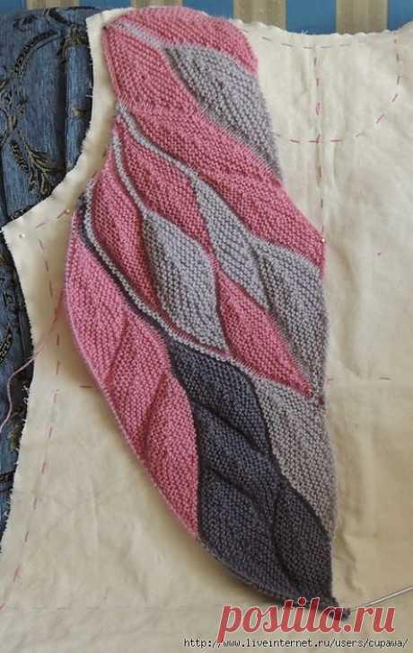 Интересный способ вязания спицами...пёрышки ..