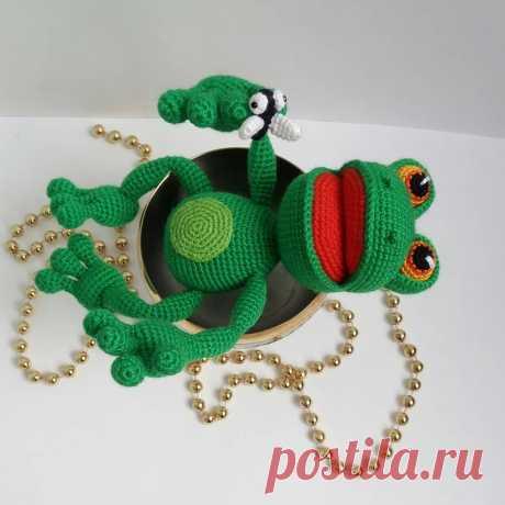 Мастер-класс по вязанию крючком игрушки лягушки амигуруми #схемыамигуруми #амигуруми #вязанаяигрушка #игрушкикрючком #вязанаялягушка #amigurumipattern #crochetpattern #amigurumifrog #crochetfrog