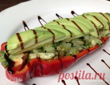 Салат «Лоран». Ингредиенты: перец сладкий, огурцы свежие, лук зеленый Французский, свежий, по-настоящему весенний салат!