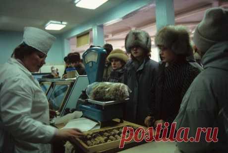 Действительно ли в СССР еда была вкуснее? И почему многие так считают? Я не из тех людей, которым не нравится ничего в современном мире, и не из тех, кто идеализирует СССР, но объективно могу сказать, что продукты питания в советском союзе были...