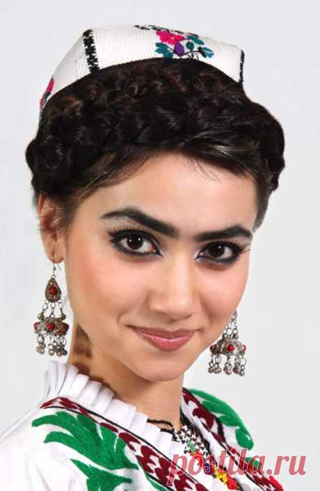 Самые красивые таджички (23 фото)
