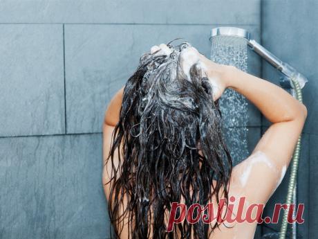 В какие дни недели не стоит мыть голову Мытье головы, как и остальные сферы жизни человека, имеет собственные приметы. Оказывается, не каждый день подходит для этой процедуры.Например, мытье головы в понедельник — дело, влекущее за собой се…