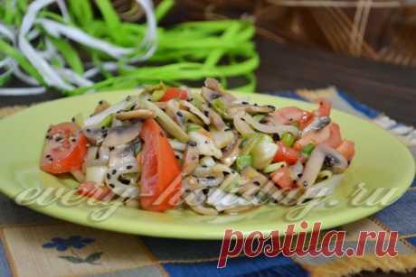 Салат с грибами и кальмарами, рецепт фото