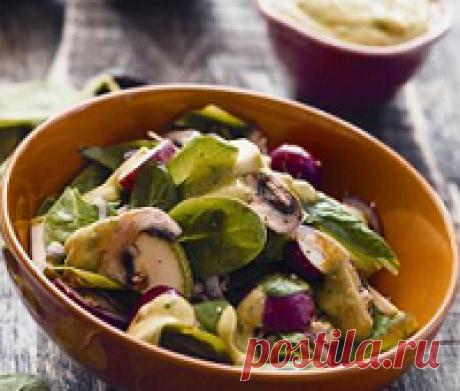 Салат из кабачков и шампиньонов - самый вкусный рецепт Салат из кабачков и шампиньонов. Салат из сырых кабачков и грибов. Как приготовить в домашних условиях. Рецепт пошаговый. Калорийность. Видео. Вкуснейший салат из кабачка, грибов и брынзы.