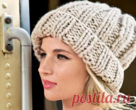 Объемная шапка спицами: Топ 10 моделей вязания со схемой и описанием