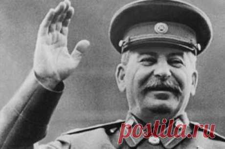 Путь вождя. Как Сталин стал из «Великого кормчего» «Величайшим полководцем»