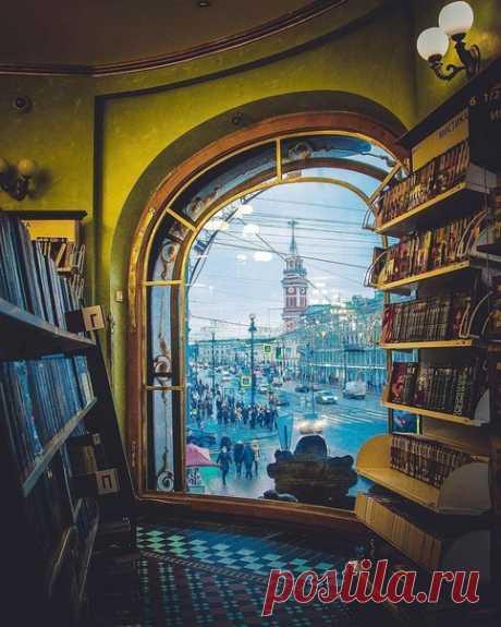 Вид из окна дома Зингера, Санкт-Петербург