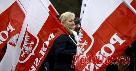 Польша сделала шагквыходу изЕС Польша сделала шагкправовому выходу изЕвропейского союза. Обэтом, каксообщает «Украина.ру», заявил польский омбудсмен Адам Боднар.