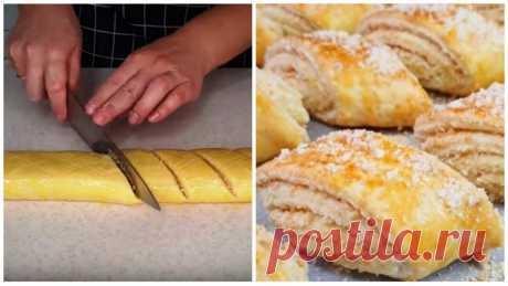 В меру сладкое, песочное печенье:просто сворачиваем и нарезаем Печенья получится много – больше килограмма.