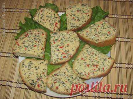 Зеленое сливочное масло | prosper76.com Хочу поделиться с вами одним из рецептов приготовления зеленого сливочного масла. Такое масло подается к бифштексам, антрекотам, жареной рыбе в сухарях, а также для бутербродов.  Для приготовления зеленого сливочного масла нам понадобится: