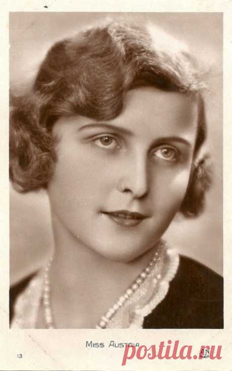 21 снимок одного из первых европейских конкурсов красоты Мисс Европа 1930