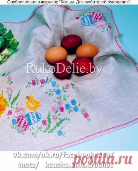 Весенняя вышивка на салфетке из серого льна