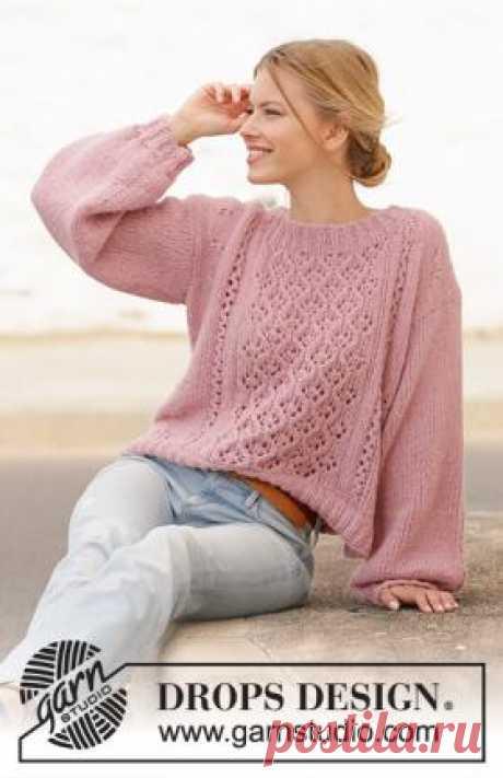 Джемпер Морской наблюдатель Берзамерная модель женского свитера, связанного спицами 5.5 мм из пряжи Drops Air. Перед и рукава украшены ажурным узорами, которые вяжутся...