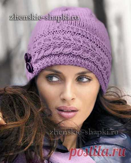 Женская вязаная шапка спицами с описанием
