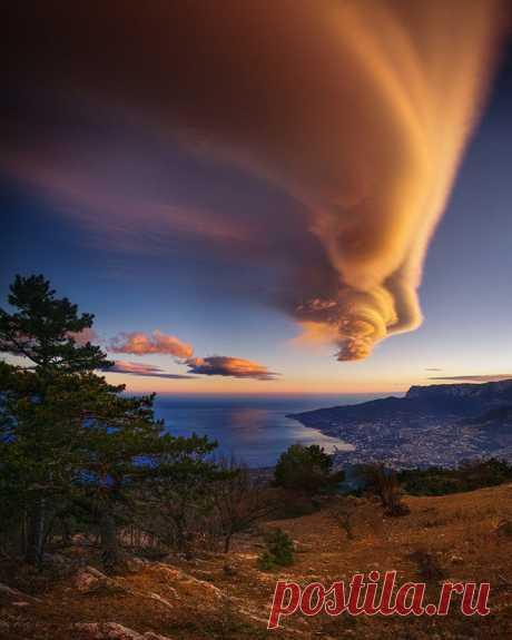 Облака Asperatus. Крым.