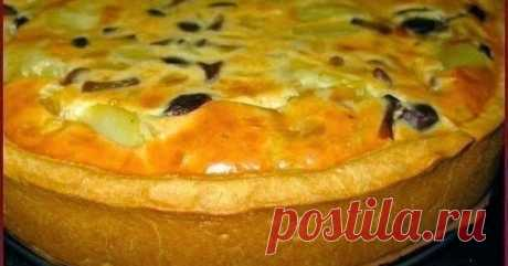 Пирог с картошкой и грибами      Ингредиенты для теста:   300 гр. муки, 150 гр. маргарина, 2 яйца, щепотка соли   Ингредиенты для начинки:   200-300 гр. грибов, 3 карто...
