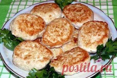 "TOP-10 recipes of amazing cutlets\u000a1. Chicken cutlets with mushrooms\u000a2. Cutlets chicken chopped with the Adygei cheese\u000a3. Turkey cutlets\u000a4. Cutlets from cabbage with cheese\u000a5. Meat cutlets\u000a6. Chicken Gentle cutlets\u000a7. Cutlet chopped \""home-style\""\u000a8. Fish cutlets with New Wave mashed potatoes\u000a9. Chicken cutlets with a creamy and nut stuffing\u000a10. Chicken cutlets with cottage cheese in the crackling breading\u000a1. Chicken cutlets with mushrooms\u000aIngredients:\u000aChicken (young)\u000aOnions\u000aCarrots\u000aRoot..."