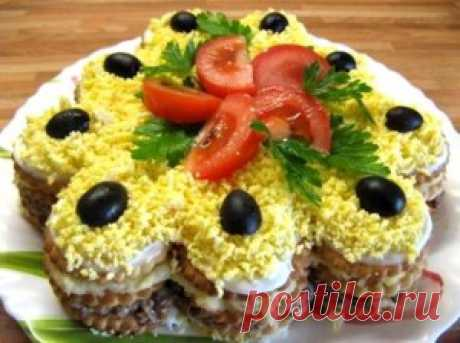 Snack salad cake from crackers | Family sovetik