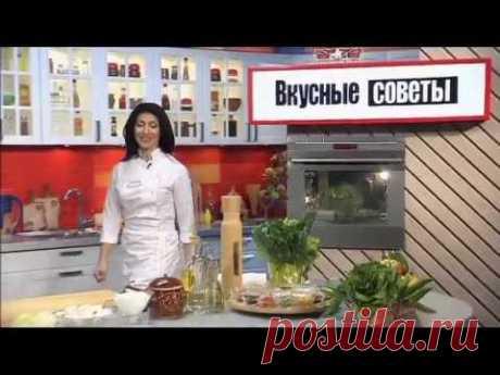 Пельмени в горшочке с грибами и сметаной . Видео-рецепт на Gastronom.ru